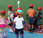 Niños patinaje